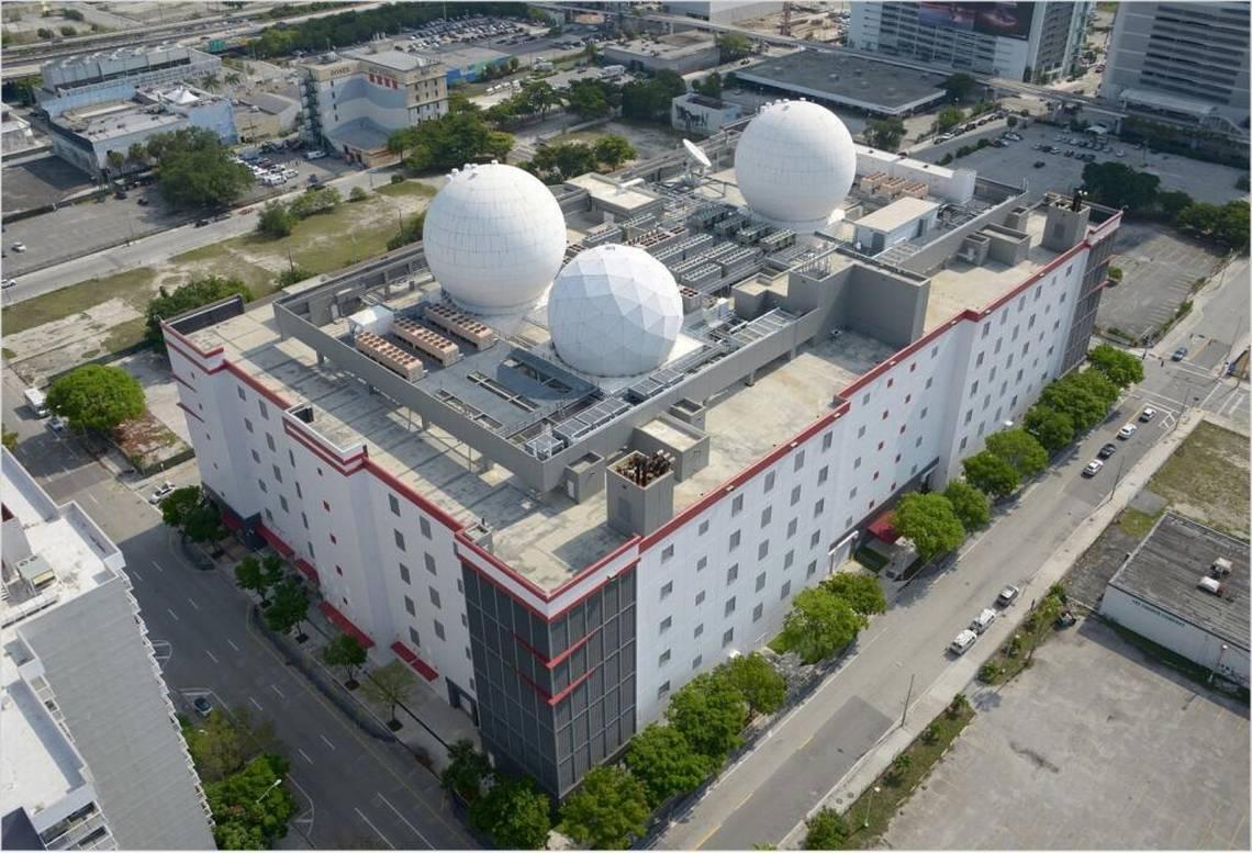 مرکز داده Equinix MI1 ، میامی ، فلوریدا